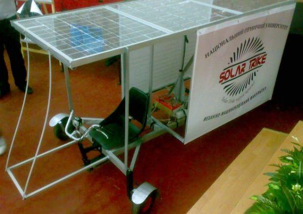 Автомобіль на сонячних батареях